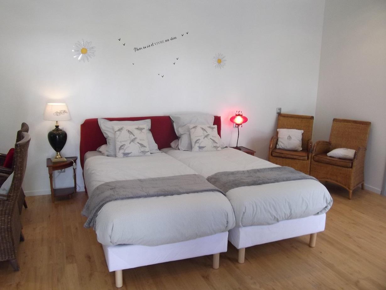Couchage 2 lits 90x200 gîte bretagne pour 2 personnes